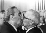 Leonid Breznev e Erich Honecker